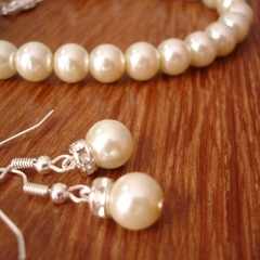 4 Simple & Elegant Pearl Earrings and Bracelet Bridesmaids Gift Sets