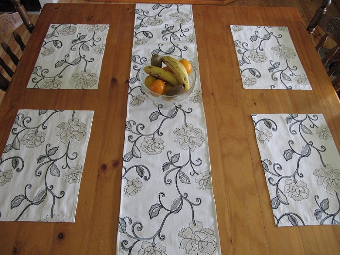 Table Runners And Placemats Sets Table Runner 4 Placemat