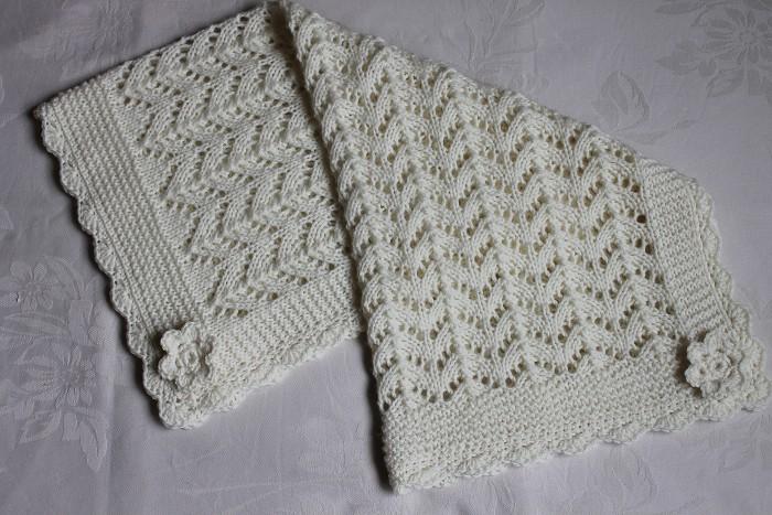 Knitting Edges For Blankets : Cream hand knitted baby pram cot blanket with crocheted