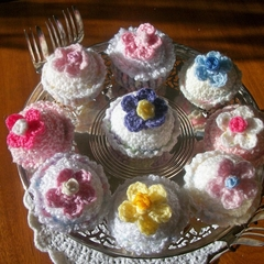 Mini  Cup Cakes - Crochet Play Food - Display Food