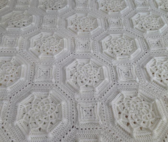 Beautiful Cream Crochet Bordeaux Matelass 233 Afghan