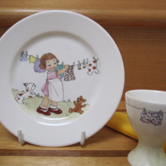 Small hand painted Royal Doulton Plate - Washing on the Line and Eggcup