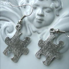 jigsaw design earrings  silver tone earring