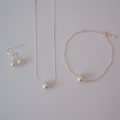 Floating Single Pearl Jewelry Set - ideal as gift