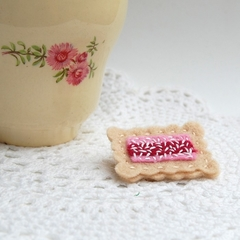 Felt Iced Vo Vo Biscuit Brooch