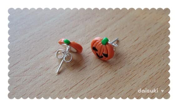 ... Kawaii Pumpkin Stud Earrings - Cute Halloween Polymer Clay