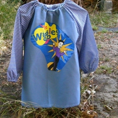 Art smock for 3 - 4 year old, Wiggles. S 20.