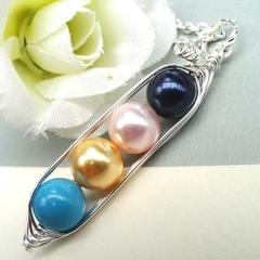 Four Peas In A Pod Personalized Birthstone Necklace Ideal Gift For Mum Grandma