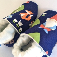 """Baby shoes """"GNOMIE"""" stay on/soft soled warm eco-friendly bamboo lined."""