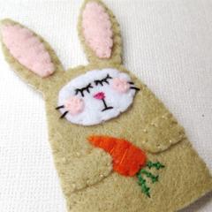 Finger puppet Rabbit - Embroidered Felt Bunny  - Easter