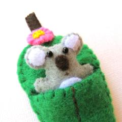 Koala and Gum leaf - Felt Australian Animal - Toy koala with bed