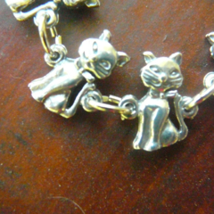 Cats, cute Australian pewter cat linked bracelet, Style 1Free Postage