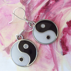 Yin yang ying yang  silver  tone earrings earring