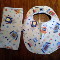 New Born Baby Boy Bib and Burp Cloth Set - Robots!