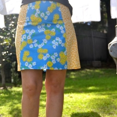 Vintage blue & yellow daisies A line panel skirt