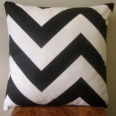 Free Shipping - Black & White Large Chevron Zig Zag Cushion Cover