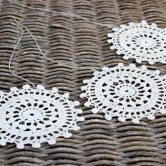 Set of 3 White Doily Ornaments Vintage Decoration FREE POSTAGE