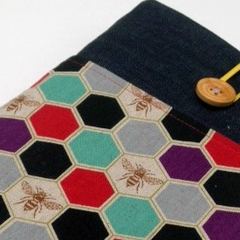 ipad cover / tablet cover - Bee hive