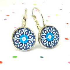 Leverback earrings - Blue floral wheels - Vintage patterns in resin