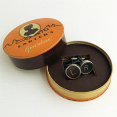 Typewriter-key cufflinks in vintage Carter's tin - black 'L'+'R' keys