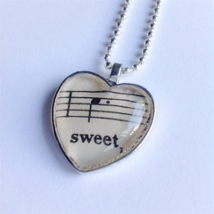 Music lovers heart pendant ~ 'Sweet'