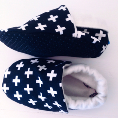 Baby shoes Monochrome stay on/soft soled eco friendly shoes/booties