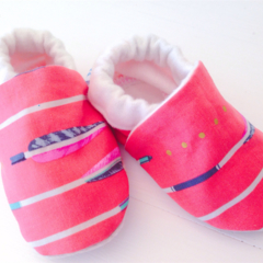 Baby shoes ARROWS/gold spot Free shipping!! eco friendly, stay on soft soled.