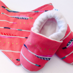 Baby shoe & BIB gift set. arrows/gold stay on shoes eco friendly soft soled.