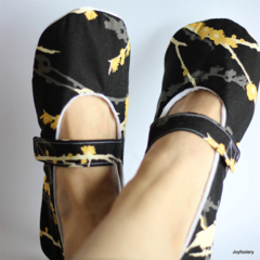 Ladies Black and Yellow Blossom Slippers Size 9 - 10