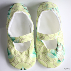 Ladies Lime and Aqua Bee Slippers Size 6 - 7