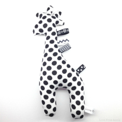 Free Shipping Giraffe Tag Toy Rattle Black and White Spots Monochrome