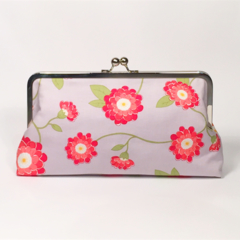 Zinia in red large clutch purse