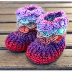 Crocodile Stitch Baby Booties in purple, red, mint colors Size 0-6 months