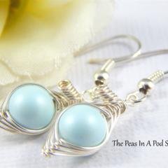 peas in a pod, pea pod earrings, one pea in the pod silver earrings, pastel blue