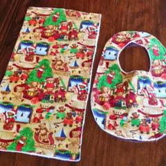 Christmas Bib and Burp cloth set - Teddy Bear motif - Large