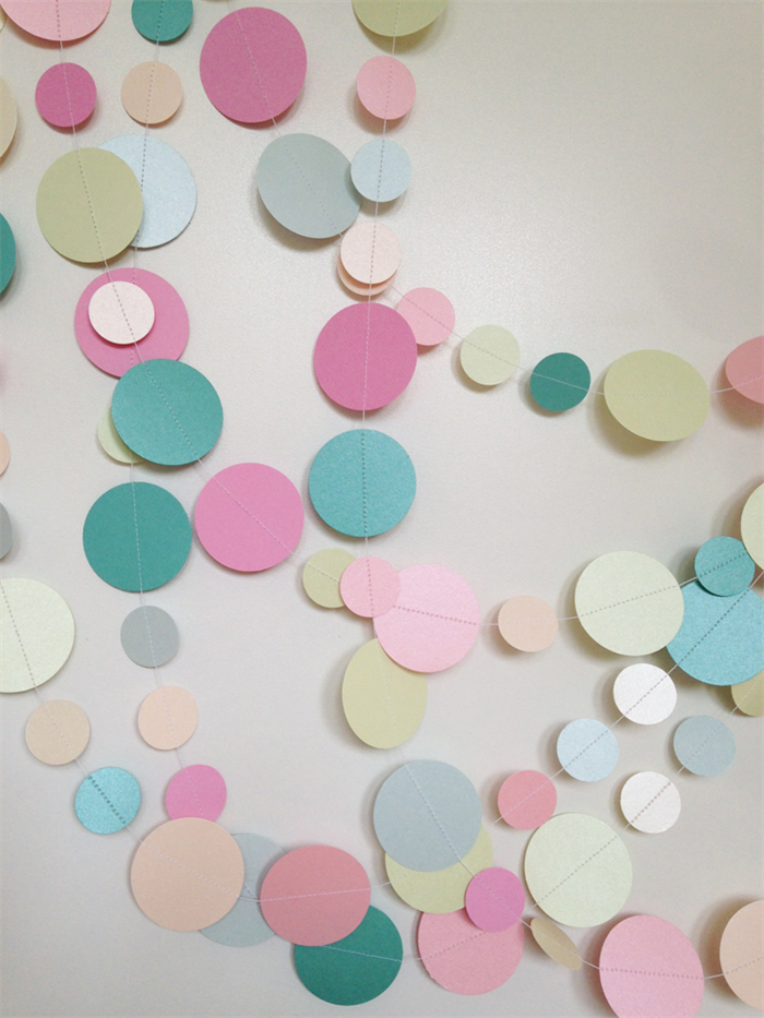 Paper dot confetti circle garland pastels metallic for Baby confetti decoration