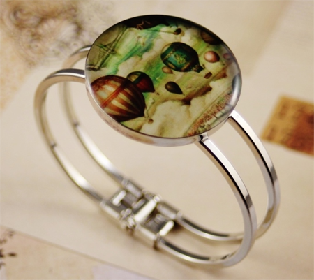 Women's round resin silver cuff bracelet bangle, vintage hot air balloon print