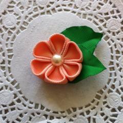 Kanzashi Flower Bloom with leaves Hair Clip - Petal Peach