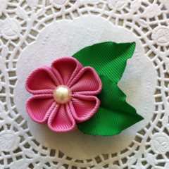 Kanzashi Flower Bloom with leaves Hair Clip - Wild Rose