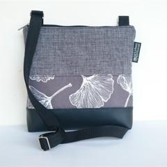 The 'Jodi' bag Large, Grey and black. Ginkgo leaf panel.