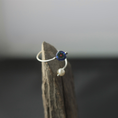 Millefiori & pearl wire-work ring (free size, deep blue)