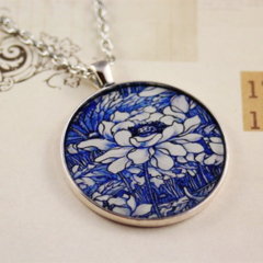 Large round resin women's pendant necklace, white & blue flower porcelain print