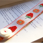 BOOKMARK RETRO VINTAGE, Strawberry Braid, Buckle and Button