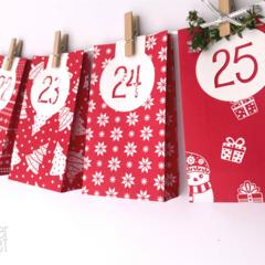 Red White Hanging Advent Calendar. 25 Handmade gift bags. Christmas countdown.