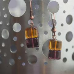 Squarer  bead earrings (Clear umber & purple)