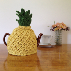 Pineapple Tea Cosy to fit a 4 - 6 cup pot