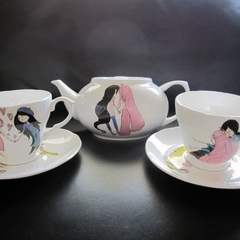 Hand painted teapot & cups & saucers for Brooktiger