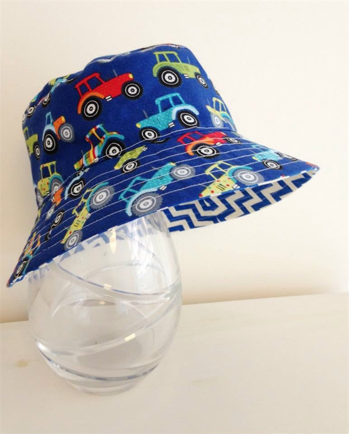 Boys summer hat in funky tractor fabric | pleats and treats | madeit