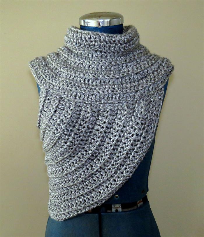Funky Cowl Vest Crochet Chunky Yarn Knit Katniss Huntress Side