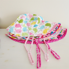 Girls summer hat with strap & toggle